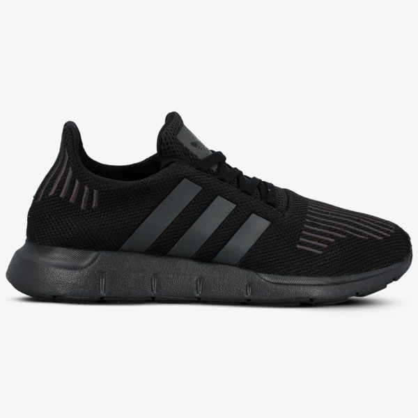 Sizeer | Adidas Swift Run Juoda